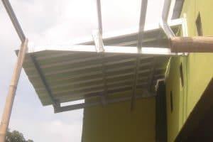 kanopi baja ringan